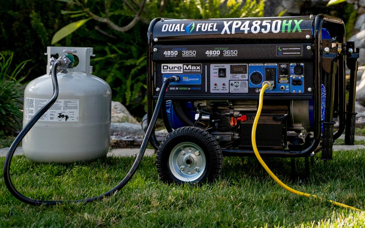 DuroMax 4850 Watt Generator for RV Camping Recreation Dual Fuel Co Alert XP4850HX